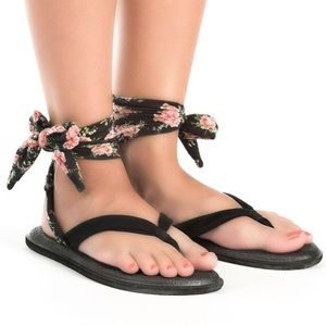Sanuk Yoga Slinged Up Sandals